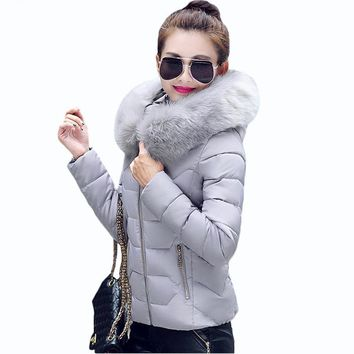 2017 New Womens Parkas  Womens Winter Jackets And Coats Thick Warm Faux Fur Collar Hooded Anorak Ladies Jacket Female Manteau