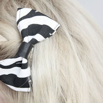 Alligator clip bow with zebra pattern