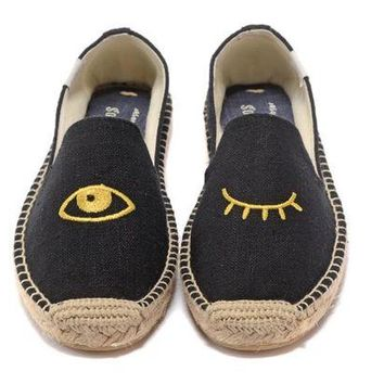 DCCKD9A Soludos Women Eyes Platform Smoking Slipper