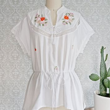 Vintage 1970s Floral Embroidered + Crochet Top