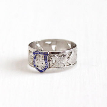 Vintage Sterling Silver Lakewood College Heart Leaf Eternity Ring - Retro Size 7 1/2 Collegium Crest Cigar Band Clark & Coombs 1908 Jewelry