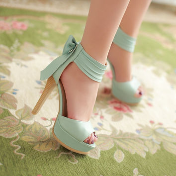 Lovely bowknot  pure color high heels