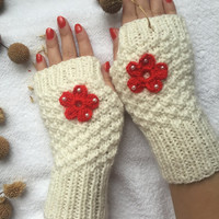 Hand Knitted Fingerless Gloves, Female white gloves ,Heart embroidered gloves,Turkish handicrafts, Gift Ideas, Winter Accessories,