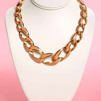 Back in Lacquer Peach Chain Collar Necklace