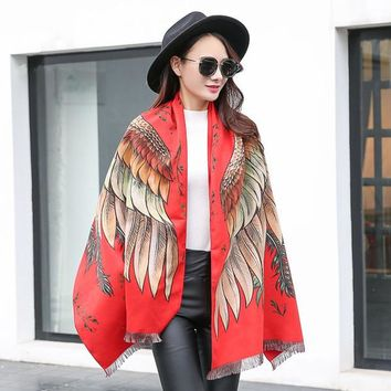Feather pattern dyed jacquard scarf