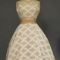 OUTSTANDING Will Steinman Beige Organdy & White Lace 1950's Cocktail Dress VINTAGEOUS VINTAGE CLOTHING