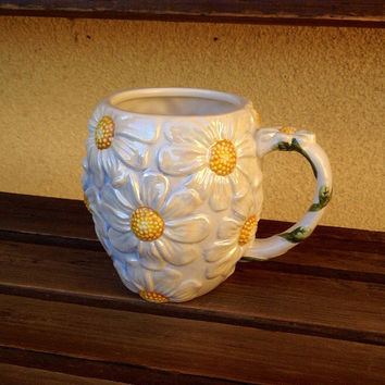 White Daisy Ceramic Iridescent Mug Gibson Designs Flower Cup, Opalescent Hand Painted Raised Daisies, Oversized Daisy Mug, Coffee, Tea Mug