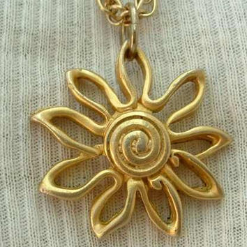 Sunflower Shaped Matt Goldtone Pendant Necklace Vintage Jewelry