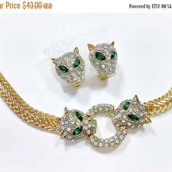 Vintage Rhinestone Cat Necklace Earrings Jewelry Set Gold Wide Flat Chain with Two Panther Heads Emerald Green Eyes Clear Rhinestones Nice!