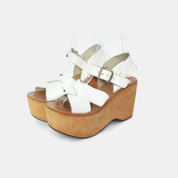 Vintage 70s White Platform Sandals / 1970s Boho Hippie Strappy Leather Platforms 7 1/2