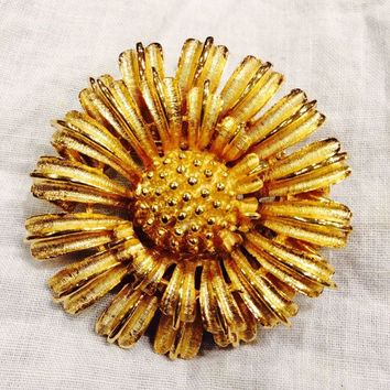 Vintage Gold Coro Flower Brooch Pin Metal Sunflower Daisy Mum Costume Jewelry Perfect for Easter Spring Summer