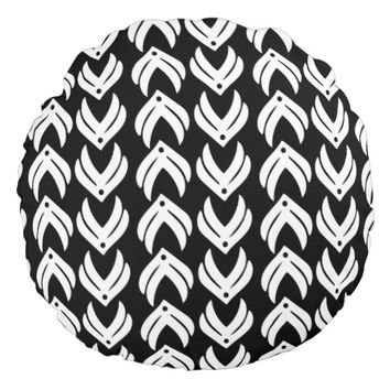 Black and white tribal style pattern round pillow