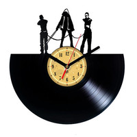 Vinyl Record Clock - Michonne - Walking Dead. The package will be shiped in FEBRUARY 2015.
