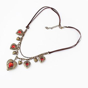 Korean version of the vintage-wing wings of love Angel Heart Leather multi necklace short paragraph