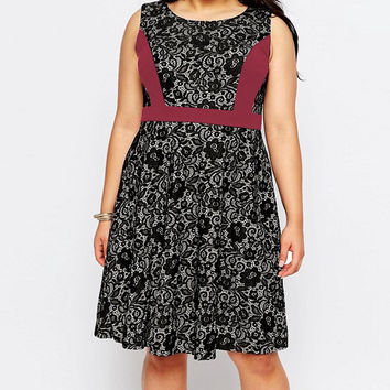 Plus Size Maroon Accent Floral Lace Sleeveless Dress