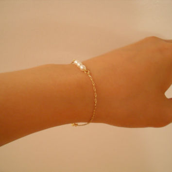 three pearl sisters - organic rice pearls gold plated chain bracelet