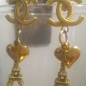 Lovely Gold Plated Designer Eiffel Tower Drop Earrings