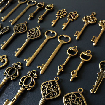 Keys to the Kingdom - 100 x Skeleton Keys, Antique Bronze Skeleton Key, Vintage Keys, Brass Skeleton Keys
