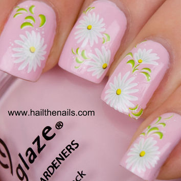 White Daisy Nail Art Water Transfer Decal 085G Summer Wedding Nails