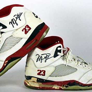 ONETOW Bulls Michael Jordan Signed 1990 Game Used Nike Air Jordan V Shoes BAS  nike air jordan