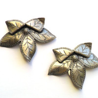 Vintage Flower Dress Clip Pair Silver Tone Metal Stamped Tin Leaf Leaves Floral 1920s 1930s 1940s Style