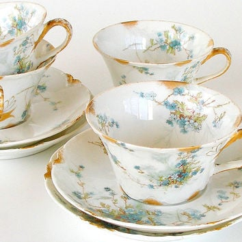 Haviland Limoges Teacups and Saucers Schleiger #146 1800s Blue & White Floral Set of 4