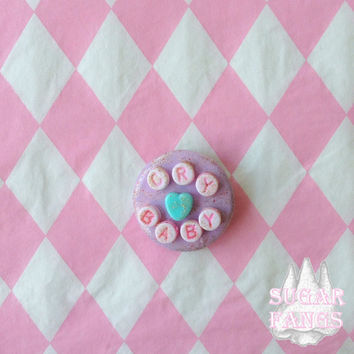 Pastel Button ''CRYBABY''