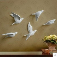 Resin bird creative wall murals wall decoration simple three-dimensional bedroom wall stickers TV background wall decorations