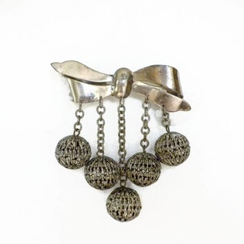 Silver Bow Brooch With Filigree Ball Dangles, Vintage Bow Brooch, Large Bow Brooch, Dangle Brooch, Bow Pin, Filigree Brooch, Vintage Jewelry