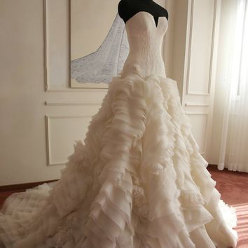Simple & Elegant Wedding Dress High Quality Ruffles Lace Wedding Gown