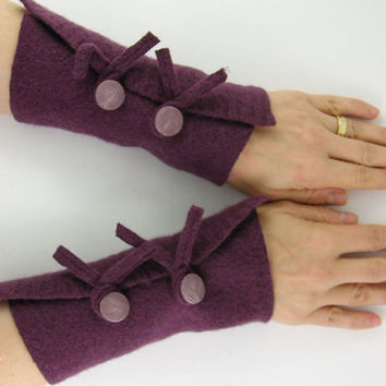 fingerless gloves arm warmers fingerless mittens arm cuffs eco friendly wine burgundy purple recycled wool