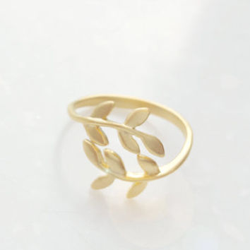 Laurel Crown Ring, Laurel Ring, Leaf Ring, Cute Ring, Brass Ring, Unique Ring, Simple Ring, Korean Ring, Womens Jewelry