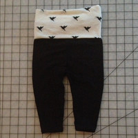 Adorable black/off white hummingbird baby girl yoga pants, size 6-9 months