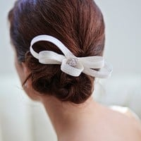 MONIQUE | Bridal fascinator bow | Percy Handmade