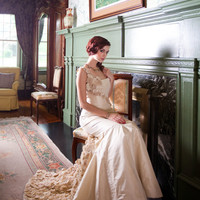 Donna Fuxico Wedding Dress by priscillacosta on Etsy