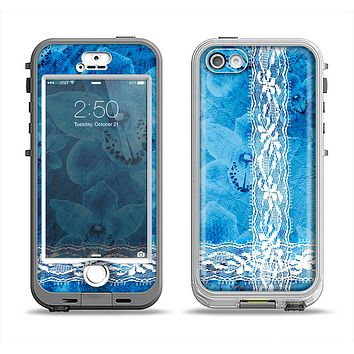 The Vibrant Blue & White Floral Lace Apple iPhone 5-5s LifeProof Nuud Case Skin Set