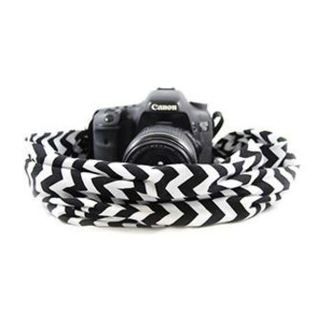 Black And White Chevron Scarf Camera Strap - Capturing Couture - CASCARF-CVBL