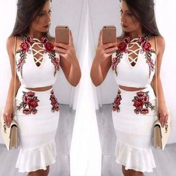 ESBHD2 Sexy Fashion Straps Floral Embroidery Chest Lace Up Type Hollow Falbala Two Piece Dress