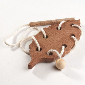 Wooden Lacing Toy Learning toy Threading set Fine Motor skills toy Beechwood Leaf Educational Wooden Toy Montessori Wood Toys Eco Friendly