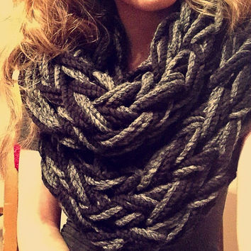 Super Chunky Infinity Scarf - Bulky Yarn - Arm Knitted - Made to order - Black and Grey color - Womens, Teens - Trendy - Accessories