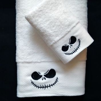 High-quality Skull Jack embroidery bath towel