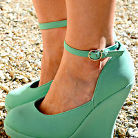 TAKING CARE OF BUSINESS WEDGES IN MINT