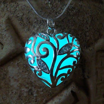 Glowing Pendant Big Heart, Aqua Blue, GLOW in the DARK, Glowing Necklace, Glow in the Dark Pendant, Glowing Heart, Glow in the Night
