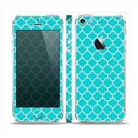 The Teal And White Seamless Morocan Pattern Skin Set for the Apple iPhone 5