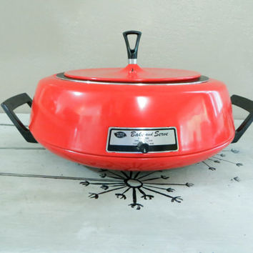 Mirro Matic Bake and Serve 3 Quart Potppy Red Electric Cooker Portable Cooker Retro Red Kitchen Cooking Dish  Mod Cookware Mod Kitchen