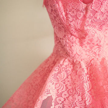 50's Retro Coral & Lace Vintage Prom Dress Strapless Sweetheart Neckline Tulle layered  Ball Gown New Year's Eve Dress Party Dress