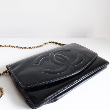 CHANEL wallet on chain patent black leather gold chain cc bag clutch vintage