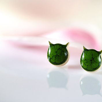Cat stud earrings Green cat earrings Ceramic earrings handmade Cat studs Clay jewelry 10mm stud Cute posts sterling silver Ceramics pottery