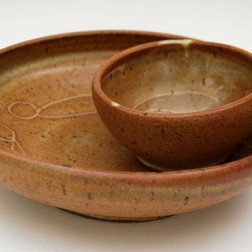 Rustic chips and Dip  Bowl. Ceramic/pottery Bowl with figures. Ceramic pottery chips and dip bowl.