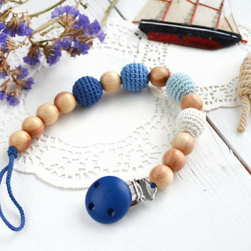 Gradient Blue Baby Pacifier Clip - Dummy Holder Chain - Natural wooden beads - Crochet cowered beads - Safe for teething